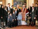 Президент Мальти Фенеч Адамі з родиною у Бенедикта XVI